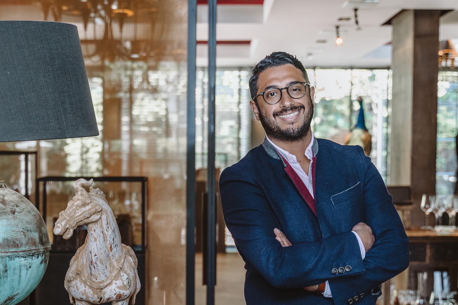Businessportrait - Geschäftsführer lacht sympathisch