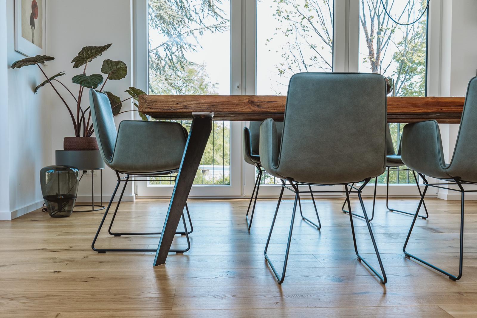 Produktfotograf Bernadett Yehdou - T&R räumegestalten - Tischvorstellung