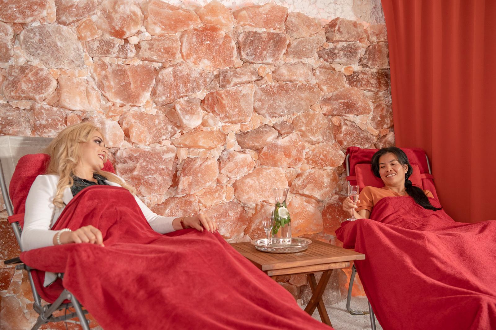 Fotoreportage - Salzgrotte Beuel Vital - Frauen genießen die Ruhe und Luft