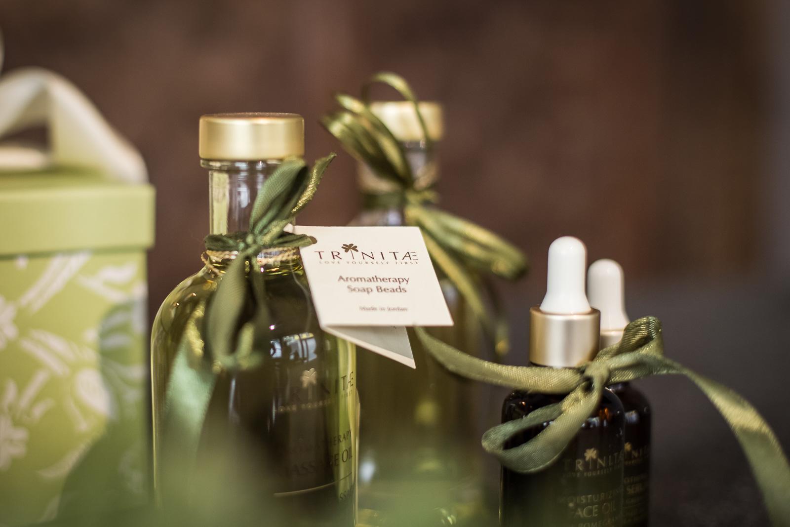Businessfotografie-Trinitae-Bernadett Yehdou-Fotograf-Kosmetik-Produkte
