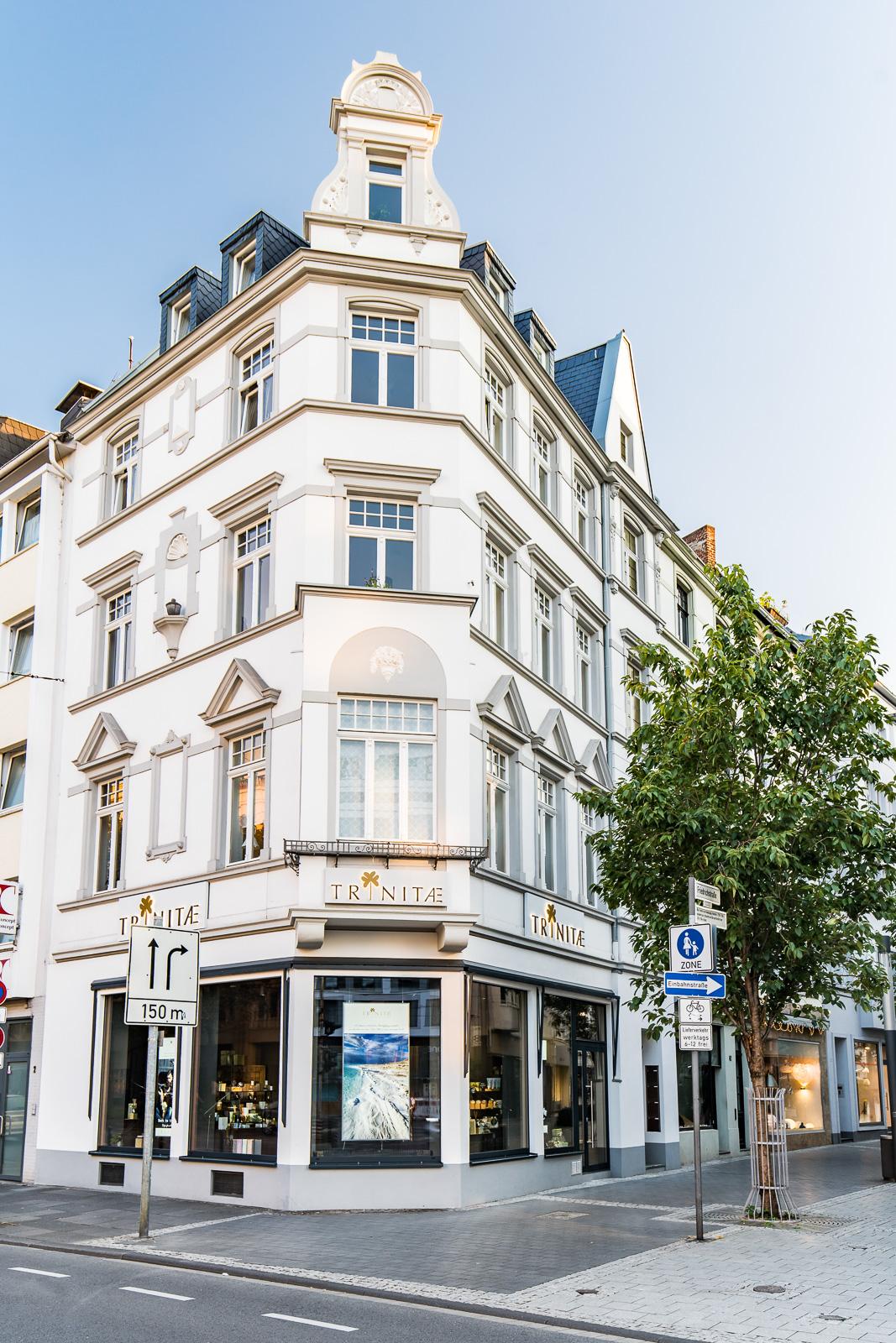 Businessfotografie-Trinitae-Bernadett Yehdou-Fotograf-Friedrichstraße Bonn