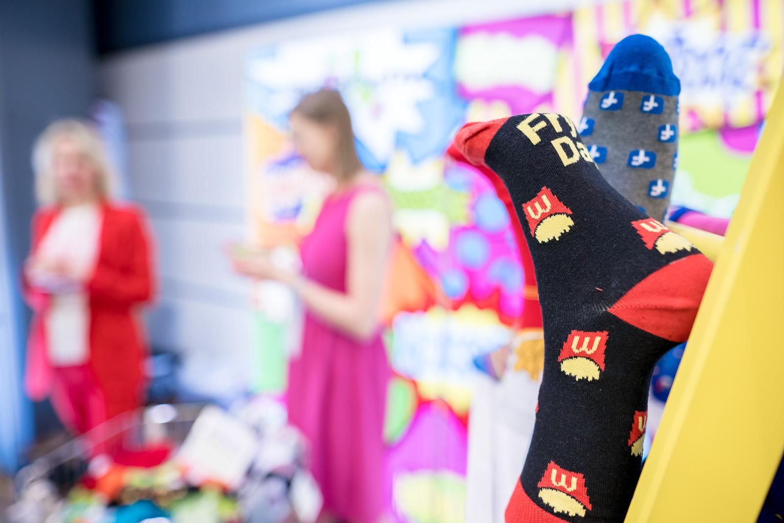 Messefotografie - Haptica - Bonn - Veranstalter WA Media - bunte Socken