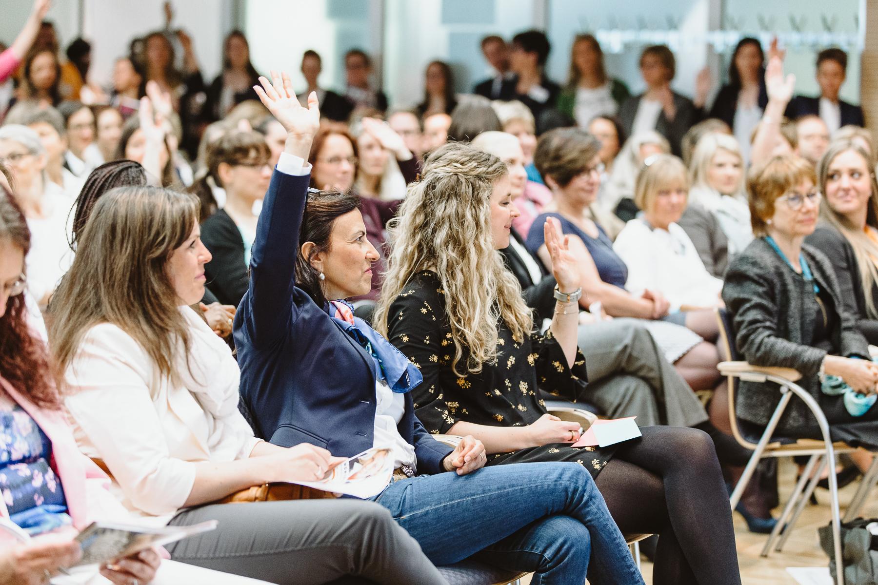 Kongressfotografie - women&work - interessante Vorträge mit vielen Frauen