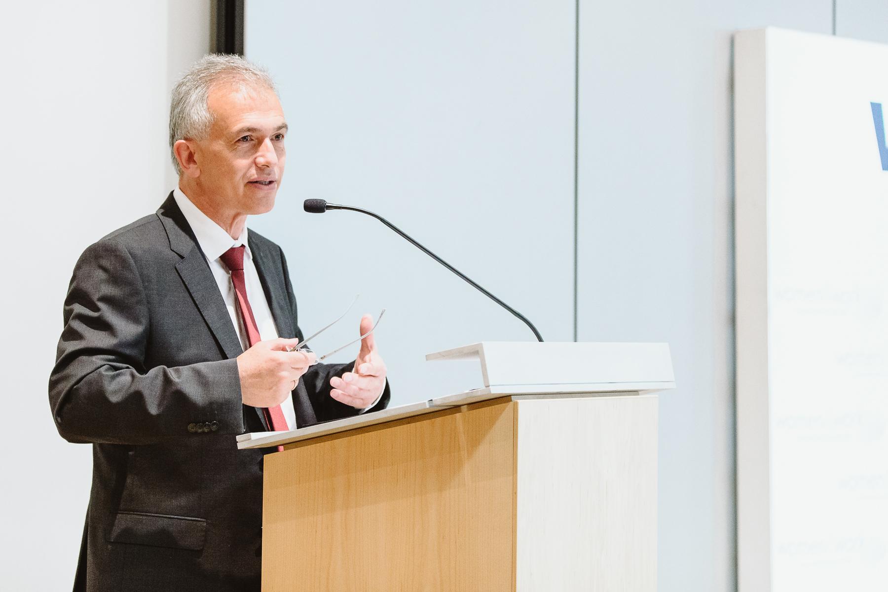 Kongressfotografie - women&work - Oberbürgermeister Peter Feldmann von Frankfurt begrüßt Standortwechsel