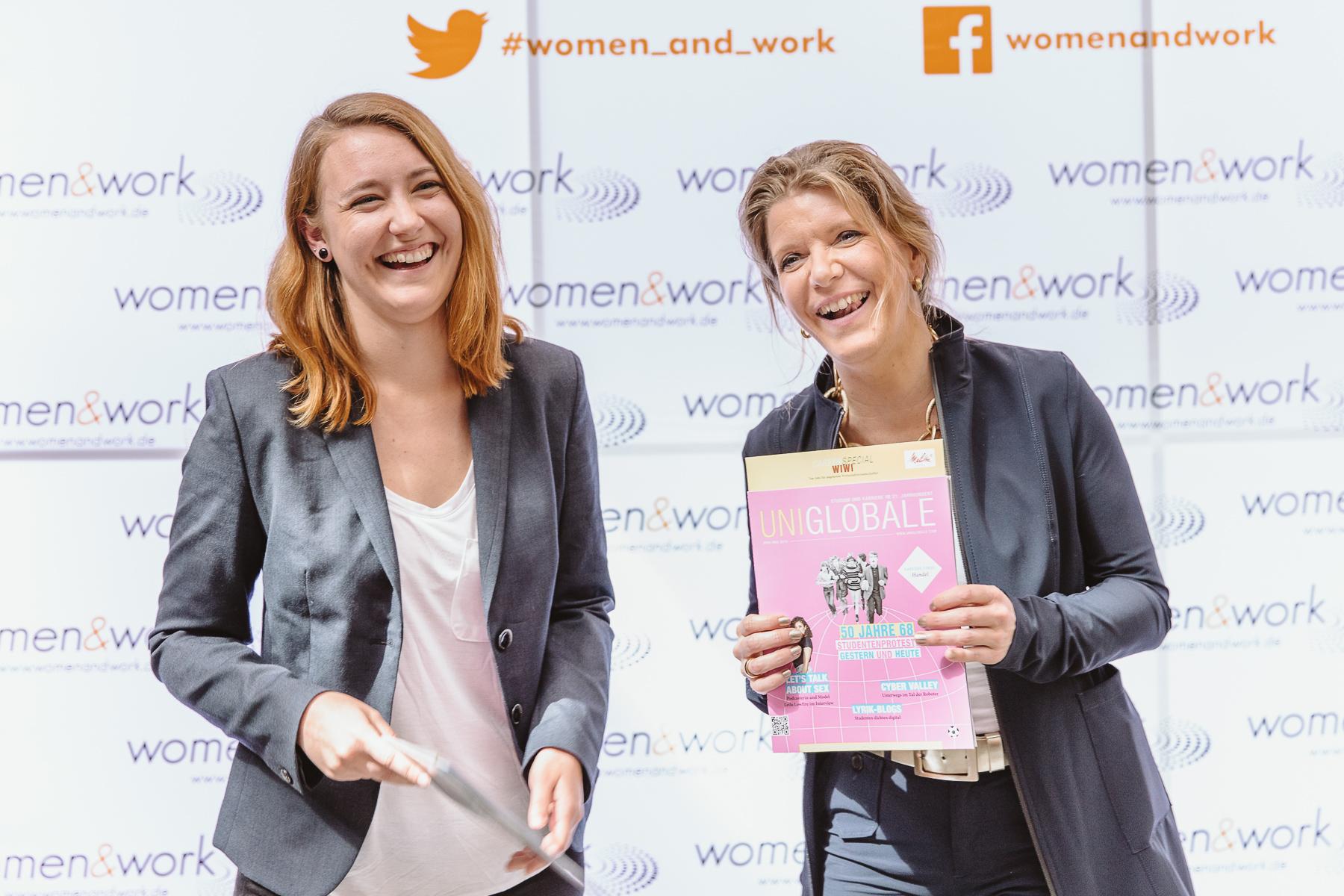 Kongressfotografie - women&work - Melanie Vogel mit Gewinnerin von Erfinderinnenpreis