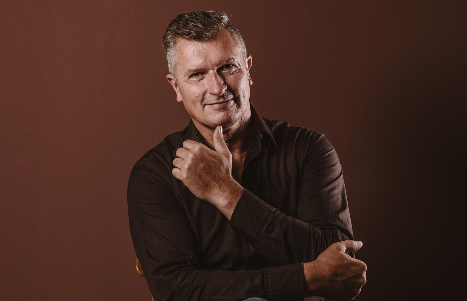 Porträtshooting - Persönlichkeit Gilbert Köhne als Marke vom Konzeptstore Herzblut in Bad Honnef